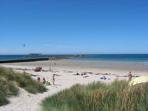 La plage de collignon et sa digue (vue des dunes de sable)
