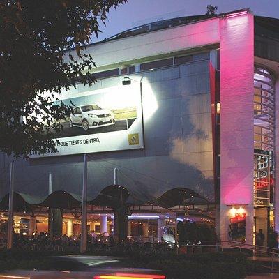 Arquitectura, interiorismo y diseño y un centro comercial tranquilo y exclusivo, sin aglomeracio
