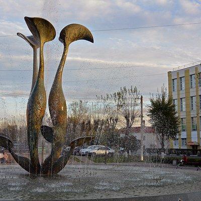 Фонтан Лилии в Дмитрове