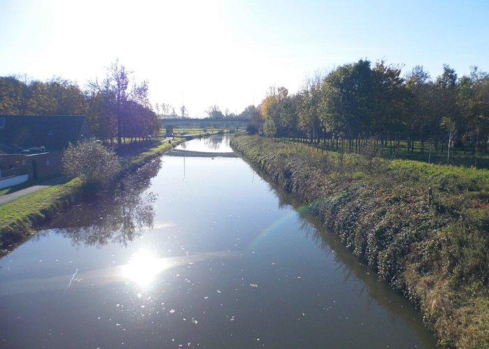 Vanop een brugje over de Dender