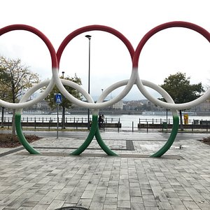 The Olympic Rings painted in the Hungarian flag colours! Amazing site.