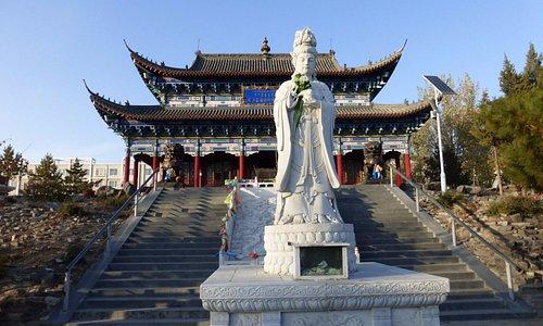 Центральный храм