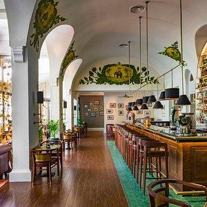 Elephant Bar-Raffles Hotel Le Royal