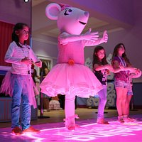 Dance lessons with Angelina Ballerina
