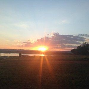Por do sol no Lago das Brisas