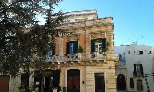 Palazzo sulla piazza