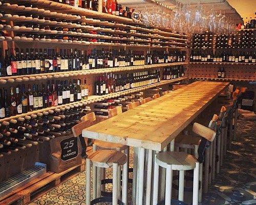 +500 wine labels &+100 spirits labels