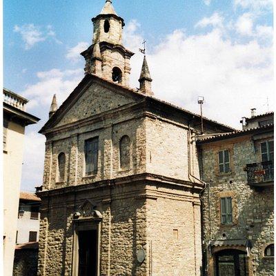Bobbio - Chiesa di San Lorenzo, la facciata