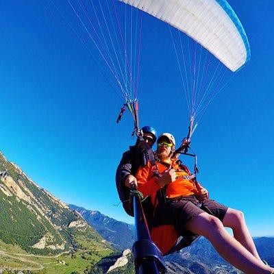 Enjoy paragliding tandem flight