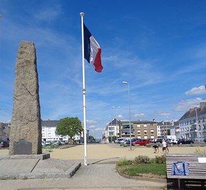 Памятник британским коммандос-лучшему спецназу времен Второй мировой войны