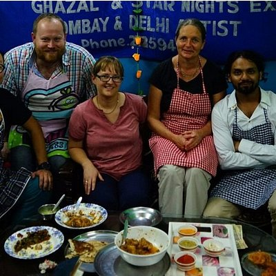 NITIN AND HIS STUDENTS LOOKING FORWARD TO EATING THEIR CREATIONS!