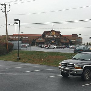 Bass Pro Shop Inside Mall - store from outside mall