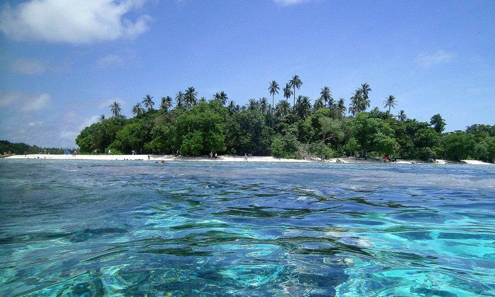 Uratu Island while snorkelling