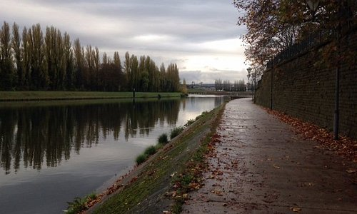 Accès sur la rive de la Moselle