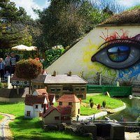 The amazing street art by My dog sighs