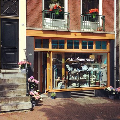 Madame Blue Delftware Pottery and jewelry shop, Prinsengracht 176