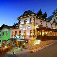 Celý objekt pizzerie a hotelu Belmonte