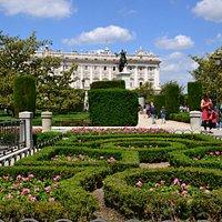 Plaza de Oriente - Giardini