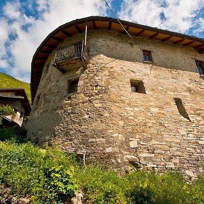 Casa Fortificata di San Cristoforo di Bobbio (PC) - Ex cella monastica di Viulio o Uguglio