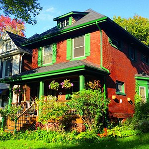 a typical middle class old home in Walkerville