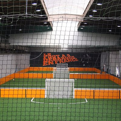 Terrain indoor foot à 5 - UrbanSoccer Asnières Gennevilliers