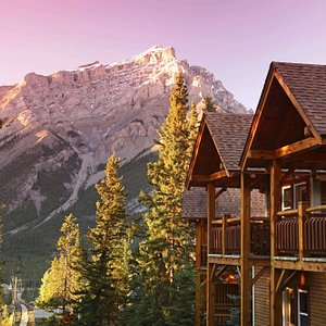 Buffalo Mountain Lodge in Fall