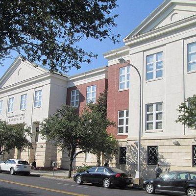 Charleston Library on Calhoun Street