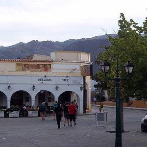 Entornos de la plaza 20 de Febrero