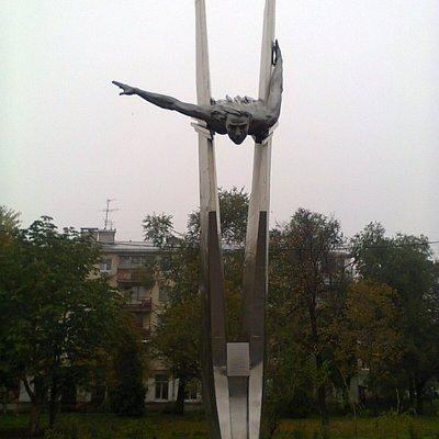 Памятник Герою Советского Союза Ольге Санфировой