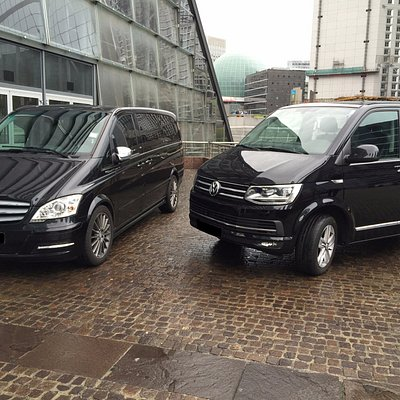 Comfortable 8 seaters luxury vans
