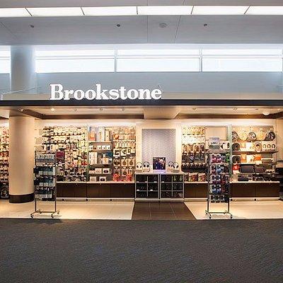 Brookstone @ ORD Terminal 5, Near: Concourse M