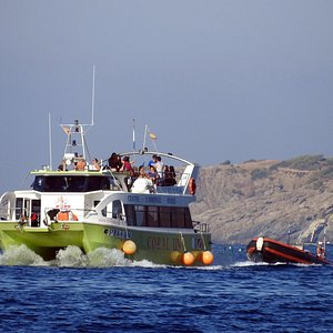 Nuestra embarcación CORAL UN