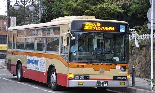 神奈川中央交通/大磯もしっかり駅前から出ています