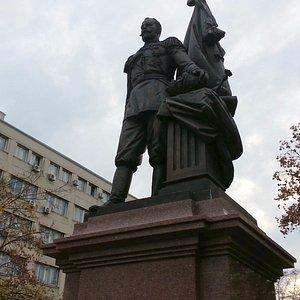 Памятник Николаю второму, в Белграде.
