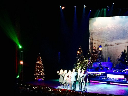 Osmond Brothers and Lennon Sisters Spreading the Christmas Cheer🎄