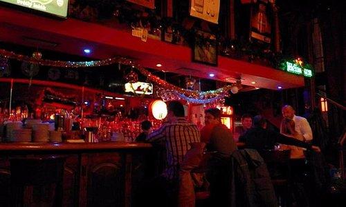 Bar early evening Friday 18th November 2016