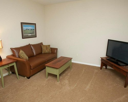 Seating Area (Lower Level) - Loon Townhome