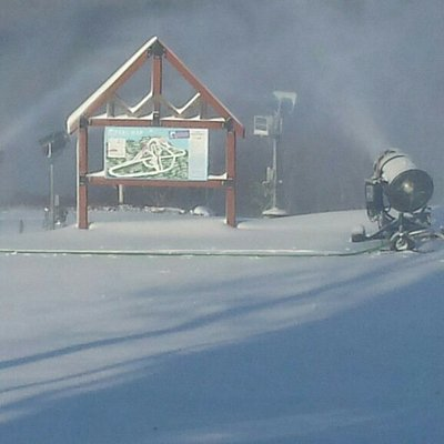 Snowmaking is available on 100% of the mountain.