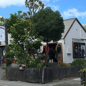 Woolworx - Akaroa NZ (1)