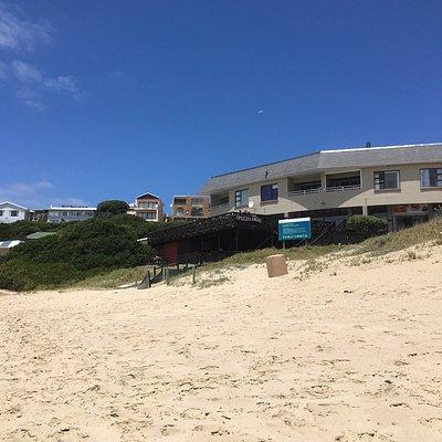 Beach & Pizza Den and cafe