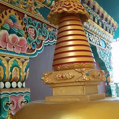 Smaller stupas in the side corridors