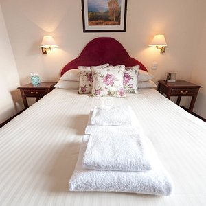The King Size Room with Harbour View at the Ship Inn