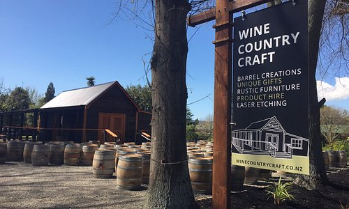 The entrance to Wine Country Craft.