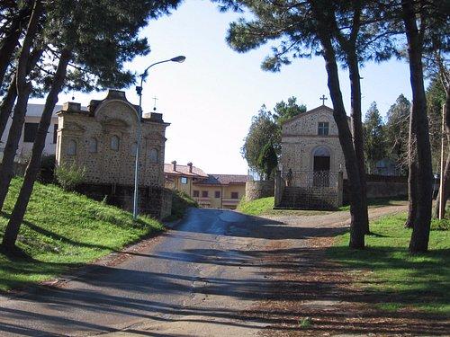 la chiesetta e il calvario