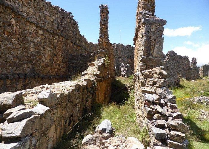 Dreifache Schutzmauer (1)
