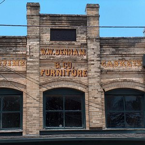 Hanging Tree Antiques is located in the 117 yr old Denham building in Goliad