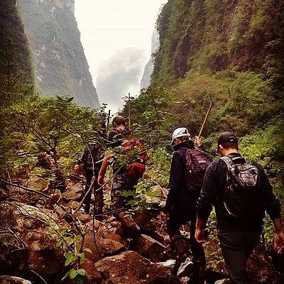Caminhada realizada pelo leito do Rio do Boi