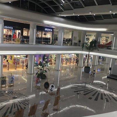 Güzel bir alışveriş merkezi...