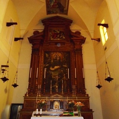 Altare e presbiterio