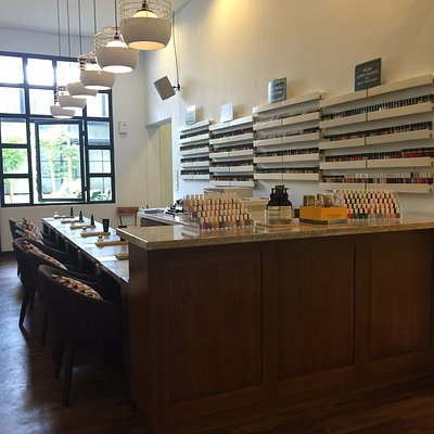 Manicure & Pedicure counter